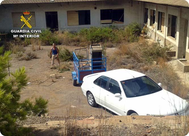 Detienen in fraganti a una persona en Portmán mientras robaba media tonelada de objetos declarados BIC